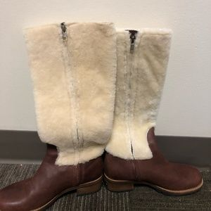 UGG Chrystie Shearling Boots S/N 5512 S5